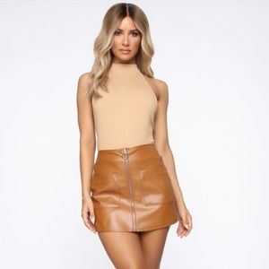 Faux leather caramel skirt 🧡